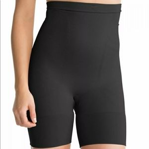 NWOT Spanx Oncore Shorts